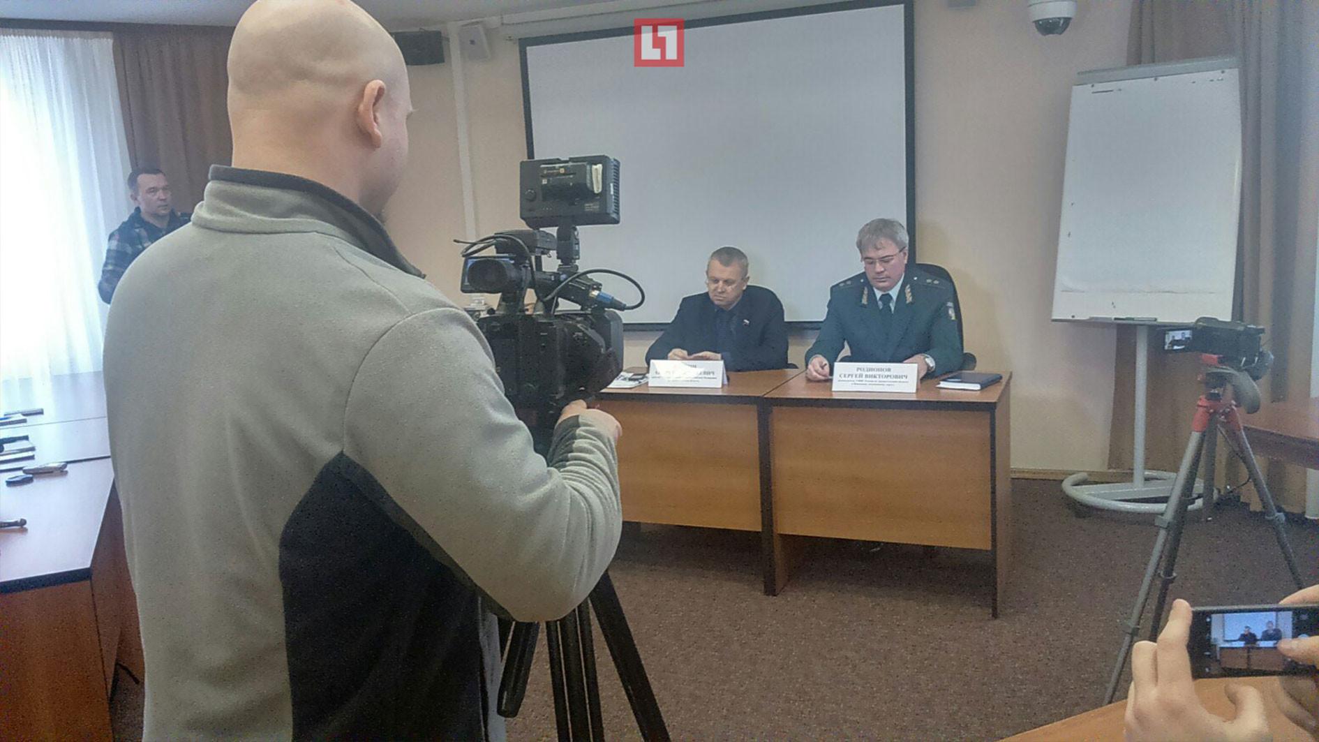 Фотография с пресс-конференции Андрея Палкина.