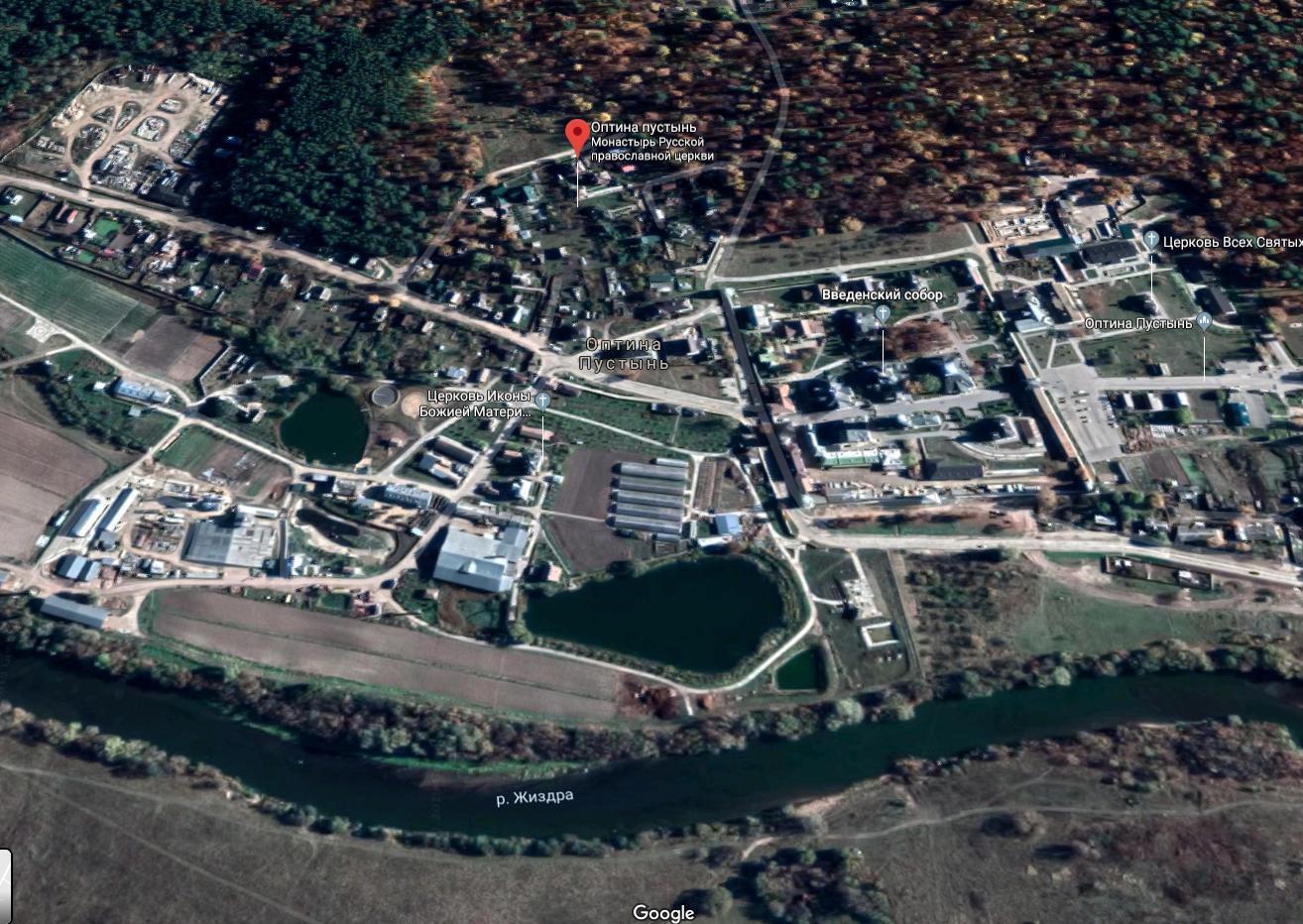 Жертву поджидали на тропинке близ монастыря. © Google Maps