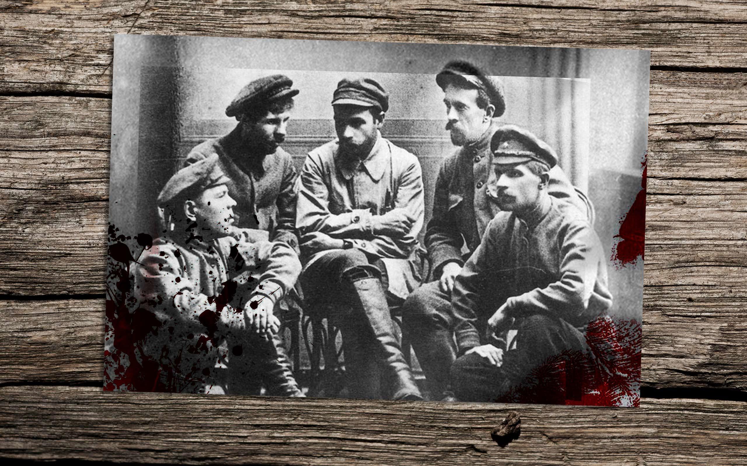 Фотография на память после совершения убийства. Слева направо: А.В.Марков, И.Ф.Колпащиков, Г.И.Мясников, В.А.Иванченко, Н.В.Жужгов Фото:© wikipedia.org