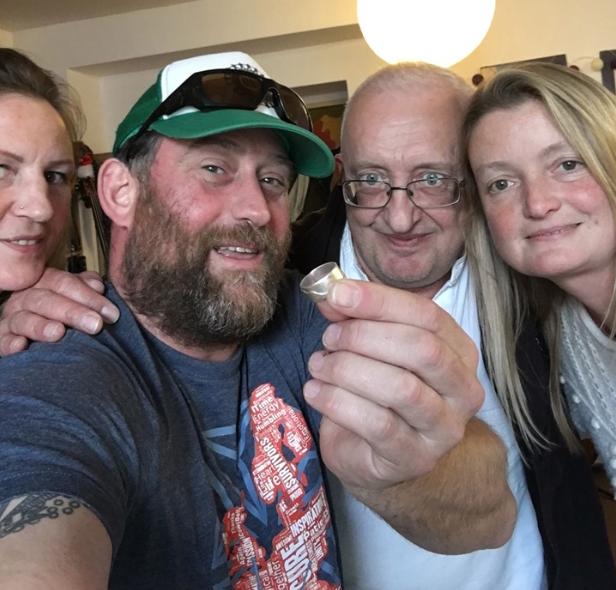 Слева направо: Оона и Дэн Левины, Гэри и Эмма Спайрс. Фото © Facebook / Damn Levine