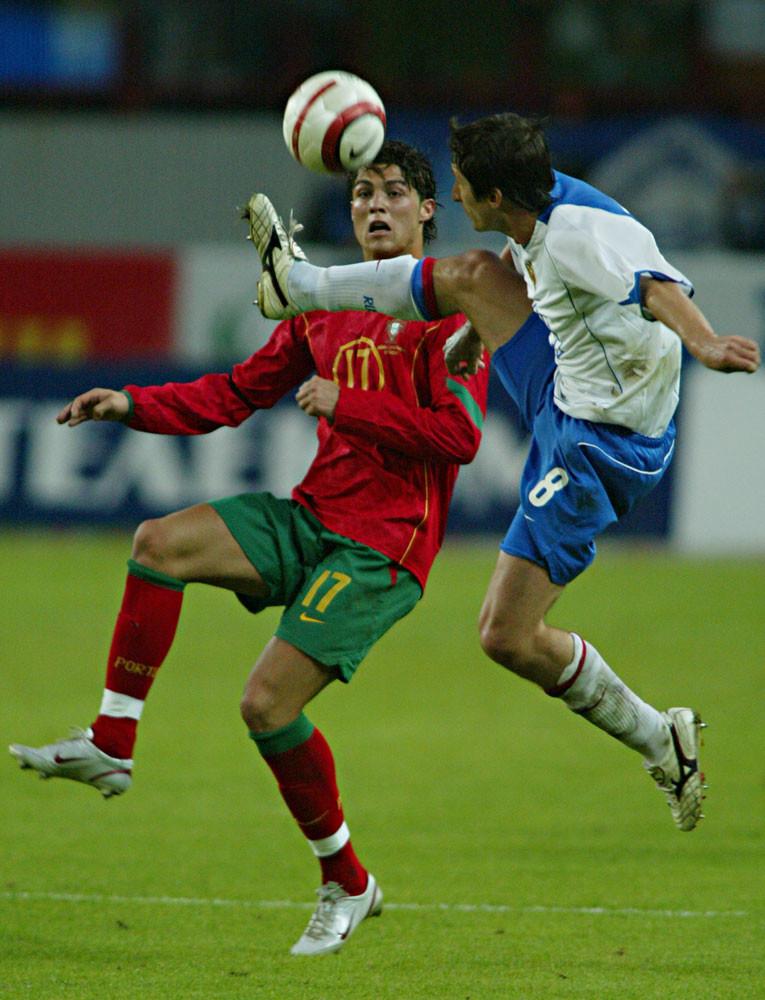 Роналду и Алдонин. 2005 год. Россия — Португалия. Фото © ИТАР-ТАСС