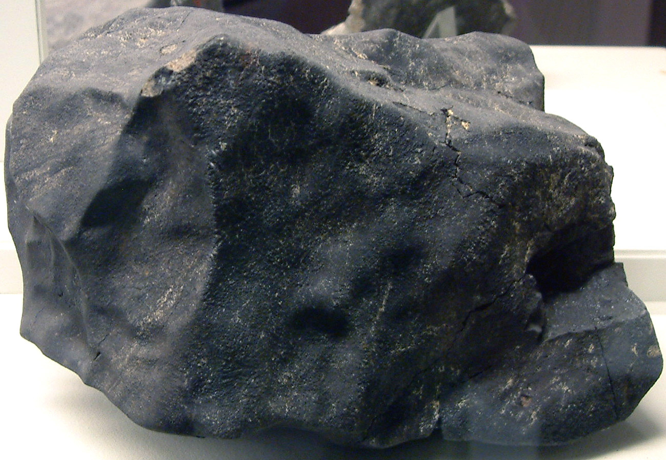 Фрагмент Мёрчисонского метеорита из коллекции Полевого музея естественной истории в Чикаго. Фото © Flickr / James St. John