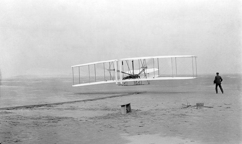 """<p>Фото © <a href=""""https://ru.wikipedia.org/wiki/Wright_Flyer#/media/%D0%A4%D0%B0%D0%B9%D0%BB:Wrightflyer.jpg"""" target=""""_self"""">Wikipedia </a></p>"""