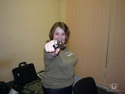 Даже своей жене Марии Андрей Додонов давал поиграть с оружием