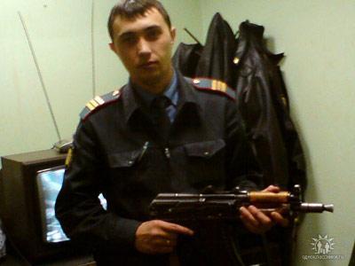 Андрей Додонов любил позировать с оружием в руках
