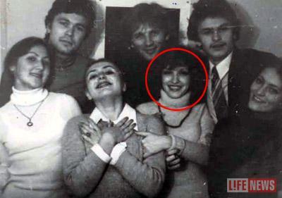 Анна (вторая справа) считалась самой красивой студенткой в училище