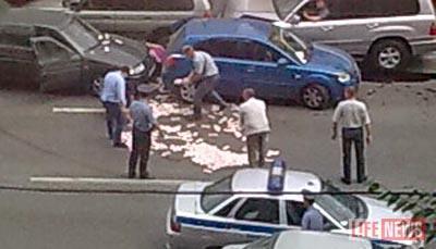 Деньги рассыпались по Варшавскому шоссе