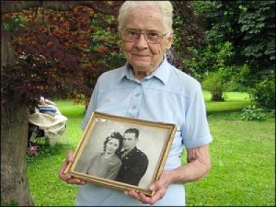 91-летняя Стивенс до сих пор не может смириться со смертью своего мужа