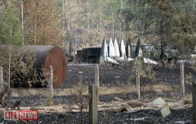 Части фюзеляжей самолетов частично обгорели