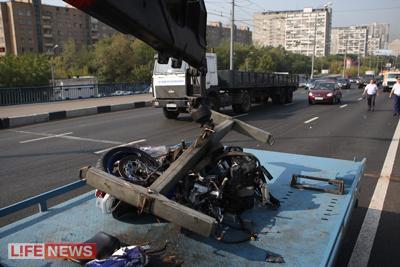 Все, что осталось от мотоцикла, увезли с места трагедии на эвакуаторе