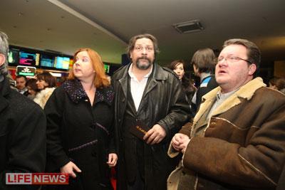Дмитрий дюжев с женой и детьми фото него предусмотрены