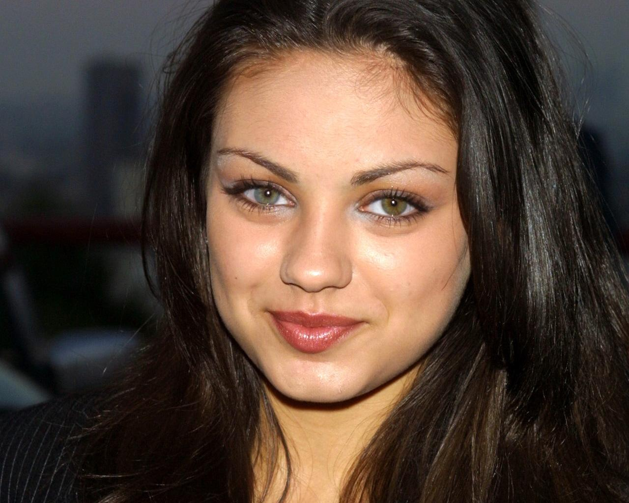 A List Of Celebrities With Two Colored Eyes Heterochromia - HD1280×1024