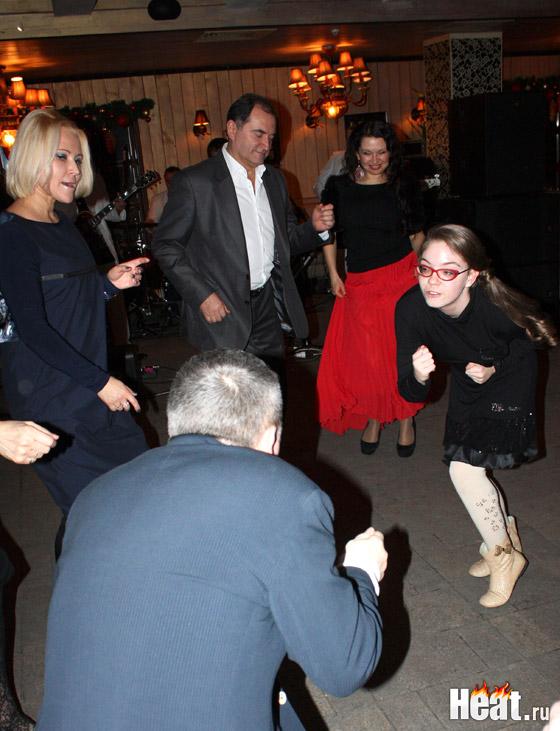 Королевой танцпола стала 13-летняя дочка Лолиты Ева