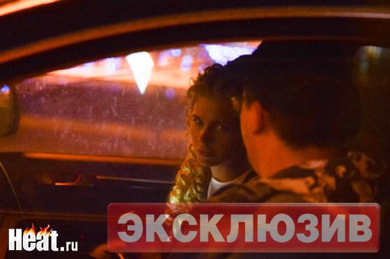 Практически каждый вечер Харламов встречает актрису со съемок