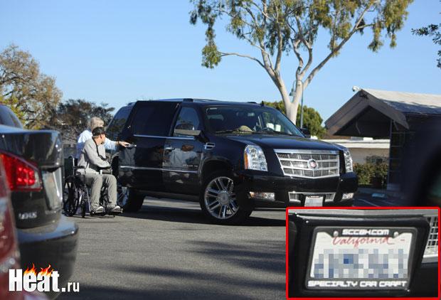 Номера автомобиля принадлежат штату Калифорния, США