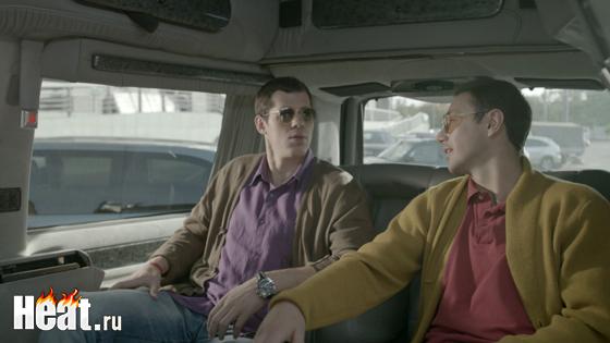 По сюжету хоккеисты Малкин и Ковальчук сначала сыграли самих себя, а потом предстали в образах братьев по имени Сентябрь и Октябрь