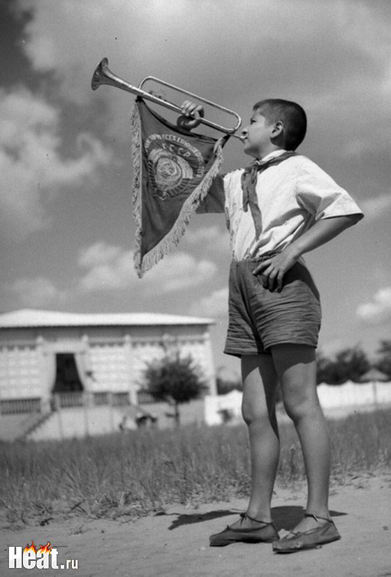 В своём новом бизнес-проекте Жуков хочет воссоздать атмосферу советского детства и пионерских лагерей, отдых в которых обычно запоминался на всю жизнь