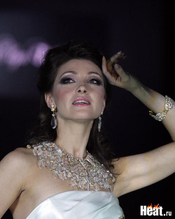 Роль Рокси Харт продюсеры мюзикла предложили 31-летней Насте Макеевой