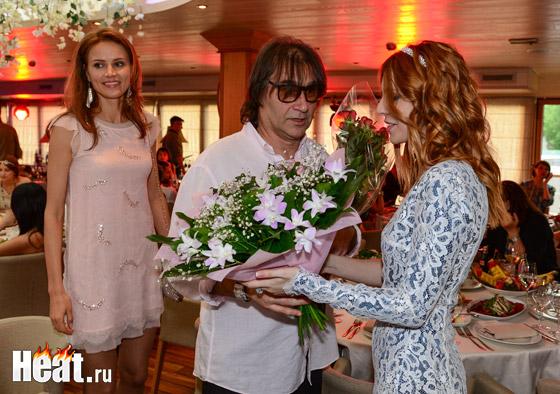 Наталья Подольская поздравила мужа стихотворением «Я хотела бы с тобой состариться»