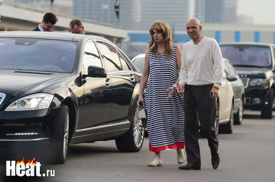 Мама именинника Елена Преснякова спела своему сыну «песне ты не скажешь до свидания, песня не прощается с тобой…»