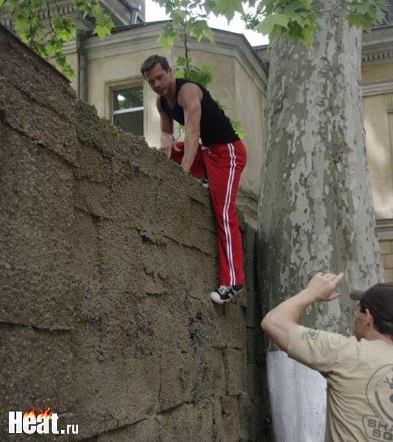 Павел Деревянко на площадке предстал в прекрасной физической форме
