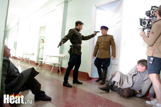 Деревянко играет сотрудника уголовного розыска - майора Егора Драгуна