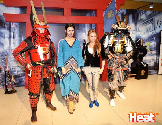 Гостей вечера встречали самураи в традиционных японских одеяниях