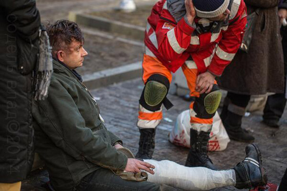 Музыканту Александру Пипа на Майдане сломали ногу
