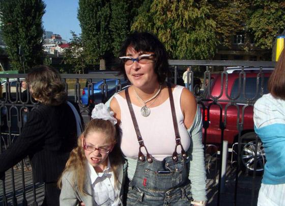 Лолита очень переживает за маму и дочку