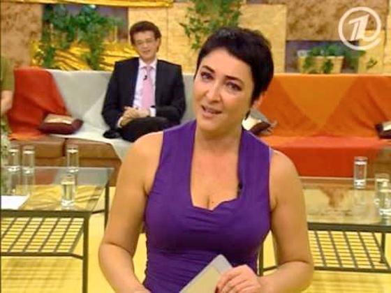 Лолита в эфире шоу «Без комплексов» в 2005 году