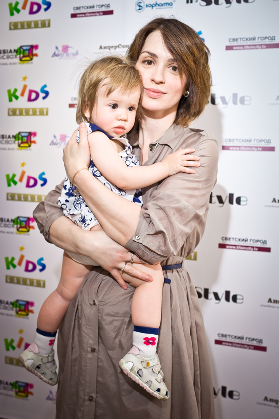 Телеведущая Ирина Муромцева с дочкой Александрой