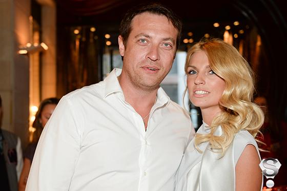 Певица Александра Савельева и актёр Кирилл Сафонов
