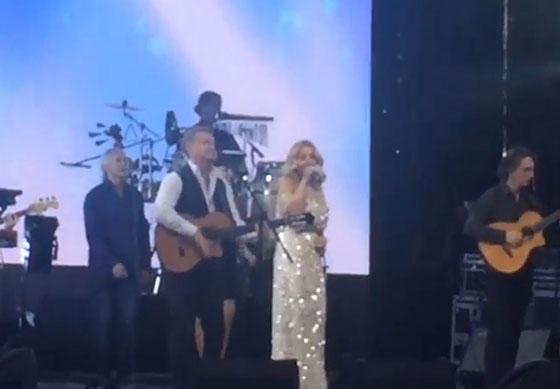Леонид Агутин и Анжелика Варум спели для молодоженов