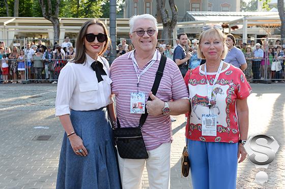 Владимир Винокур с дочерью Анастасией  и женой Тамарой
