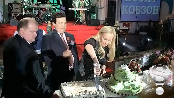 Для своих гостей Иосиф Кобзон приготовил 4 торта