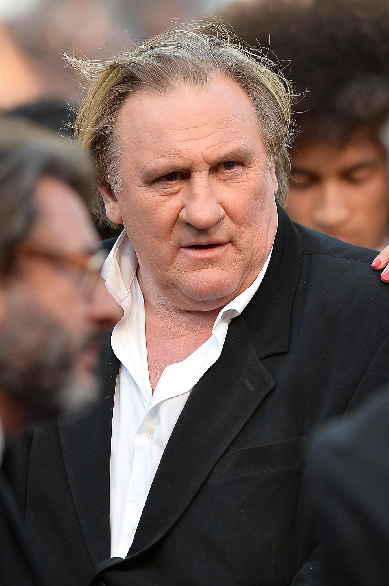 Актер, эмигрировавший в Россию, также признался, что не только занимался проституцией, но и обкрадывал своих клиентов