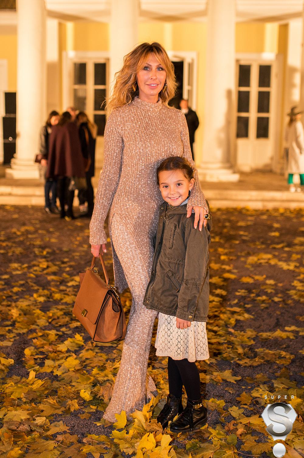 Светская дама Анна Антимоний с дочерью