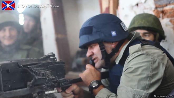 Михаил Пореченков во время визита на Донбасс