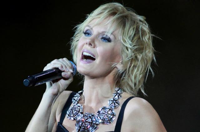 Певица Валерия снижать свои гонорары пока не планирует