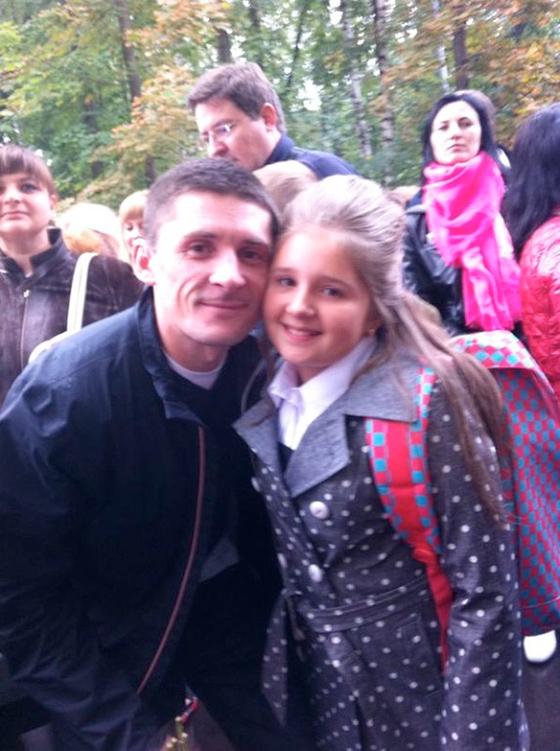 В этом году Павел Лазарев отвел дочку в пятый класс