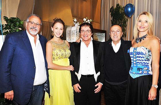 Однако большее количество сюрпризов и презентов ожидали популярного телеведущего вечером в ресторане La Maree, где состоялось празднество юбилея