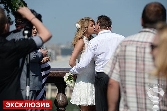 Екатерина Архарова и Марат Башаров во время их свадебной фотосессии