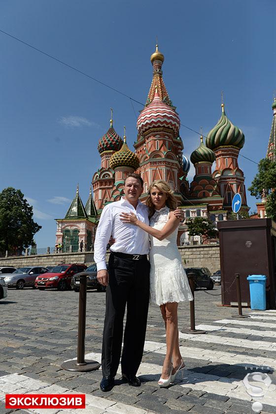 Марат и Екатерина с удовольствием позировали свадебным фотографам