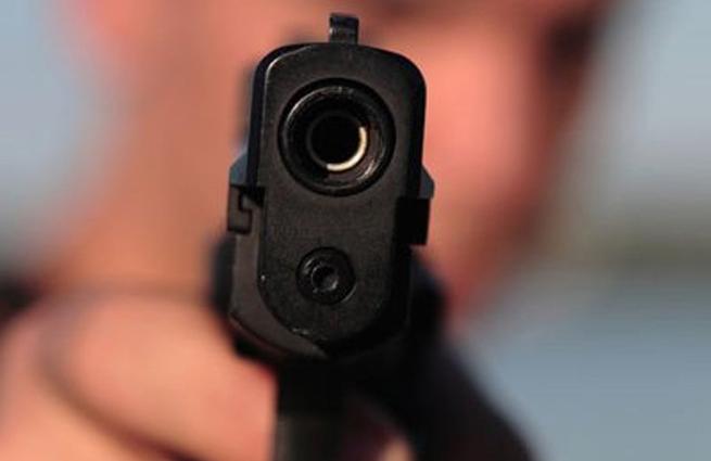 В российской столице наКутузовском неизвестный обидчик расстрелял 2 человек