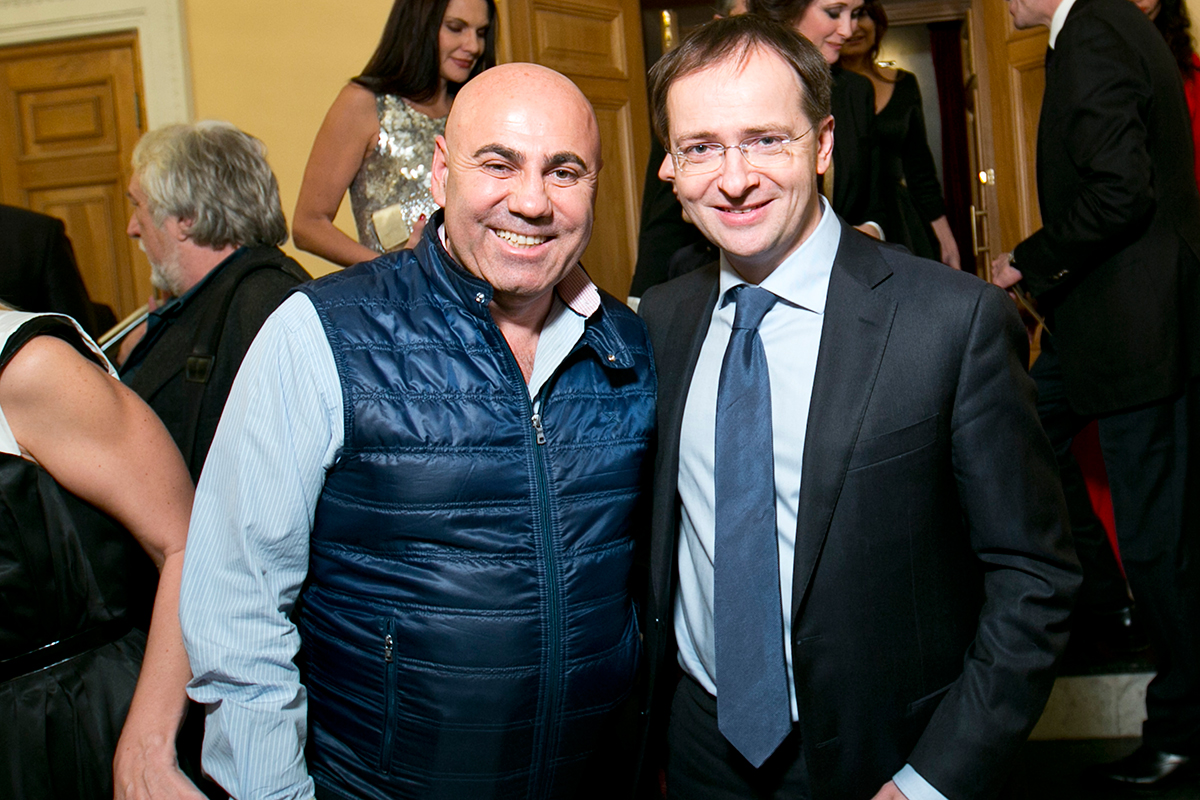 И больше никаких претензий к министру Мединскому нет!? ))))