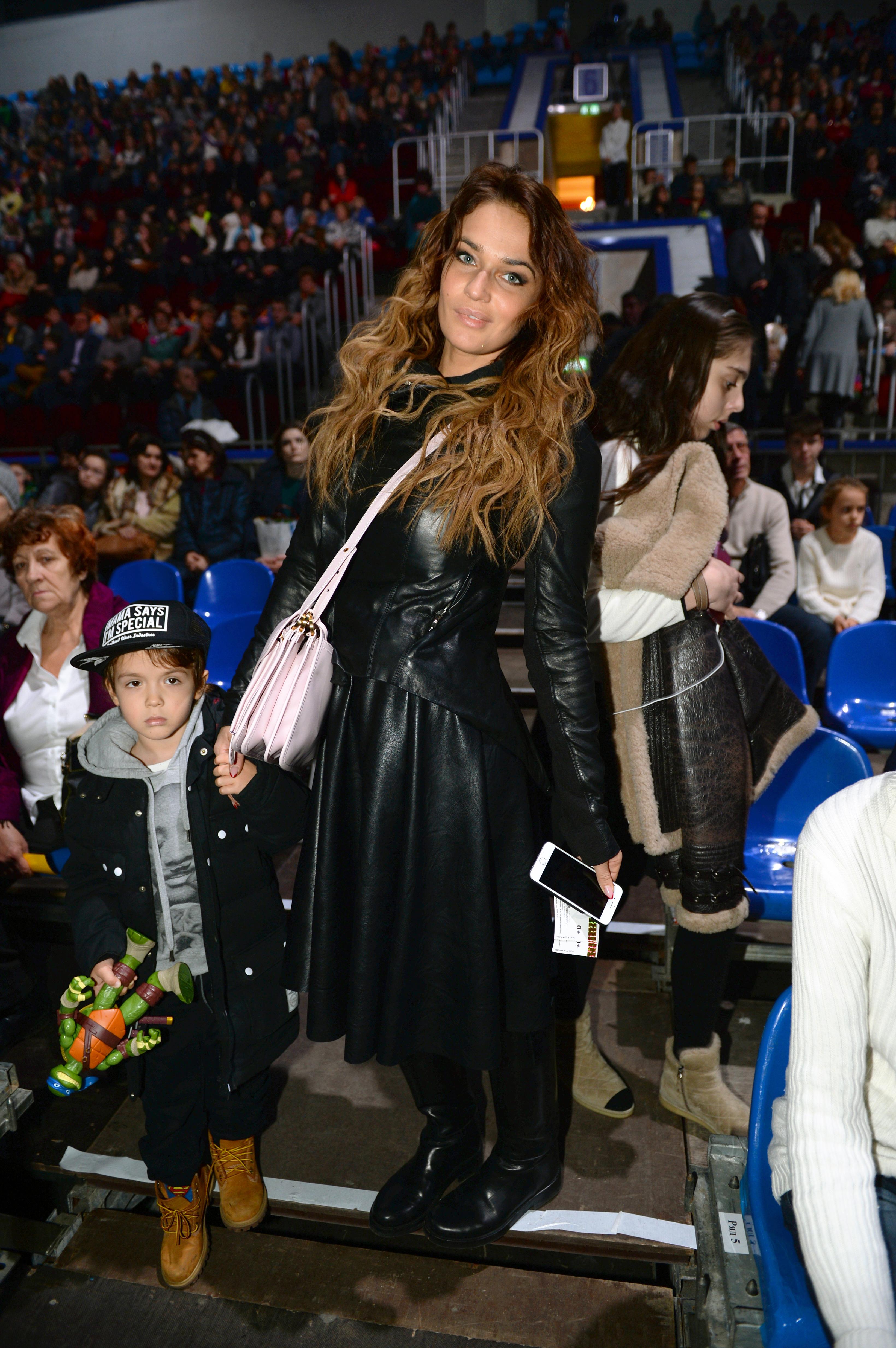 Телеведущая Алена Водонаева с сыном