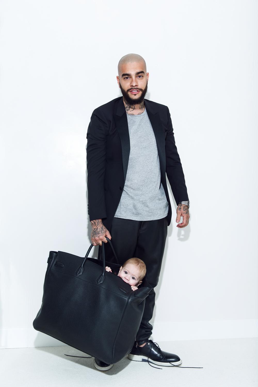 На Тимати: смокинг, Lanvin; ботинки, Dior; майка, Acne; сумка, Hermes; брюки, Balmain.