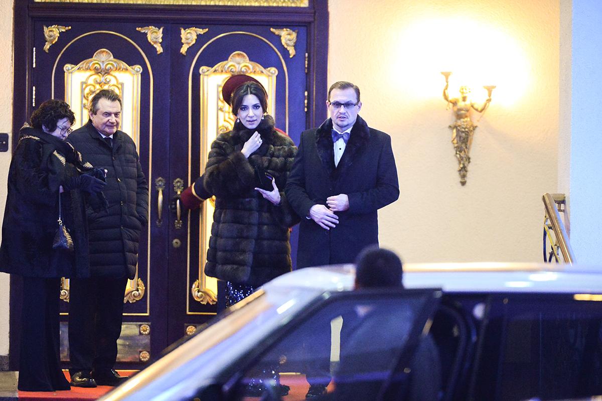 Певица Зара с супругом