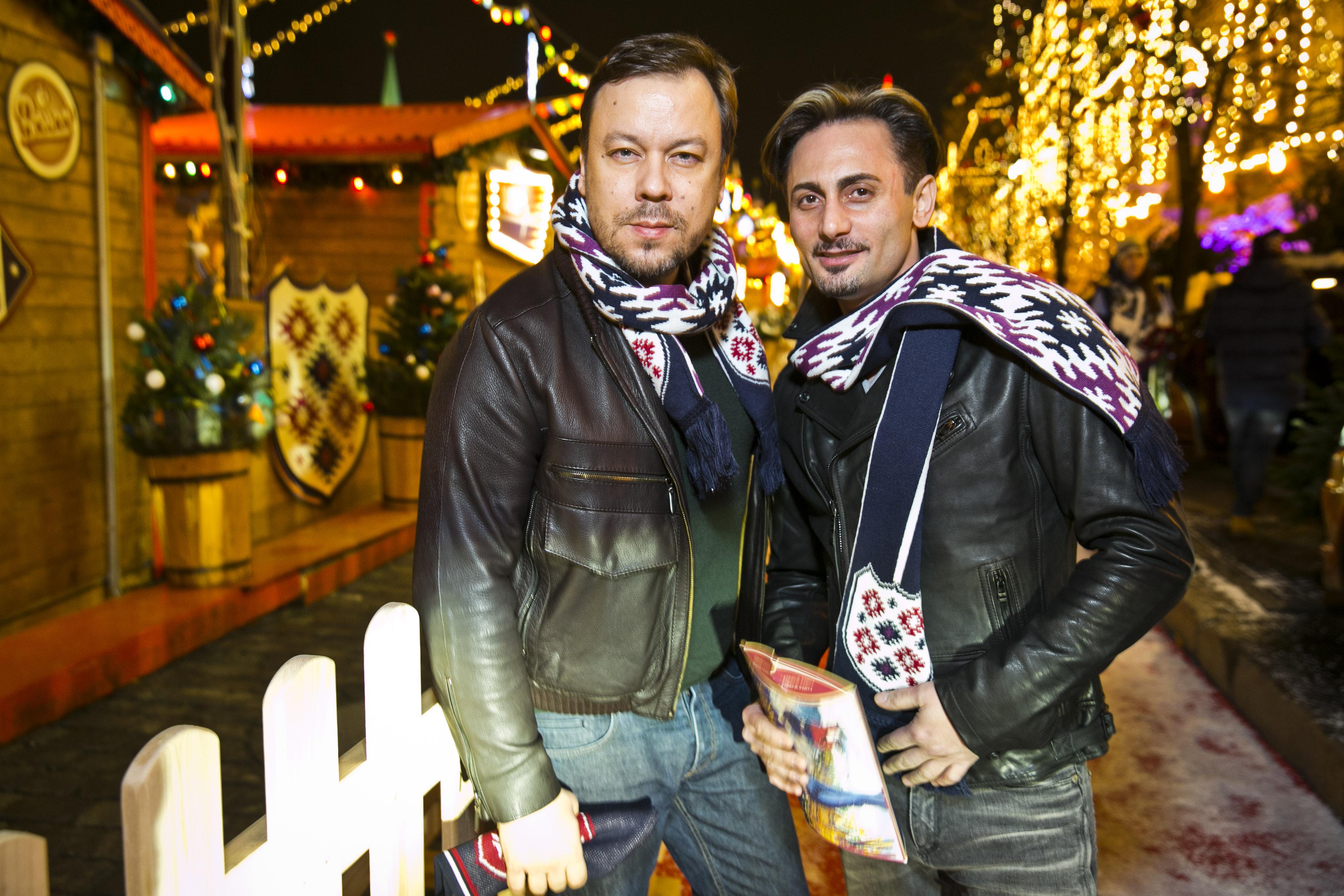 Дизайнер Игорь Чапурин (слева)