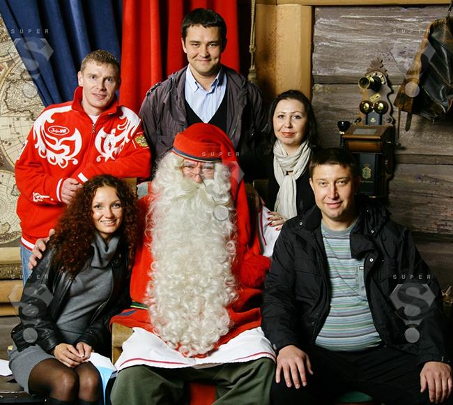 Российский Дед Мороз (крайний справа) на встрече с американским коллегой
